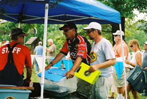 PWT 2008 Bull Shoals Lake, Gary Parsons & Al Denninger have their fish examined at the weigh-in